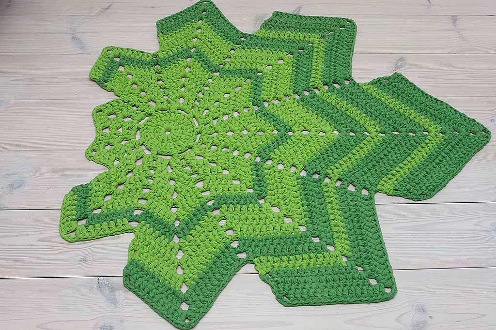 Green leaf shaped crochet doily rug   Home&Soul