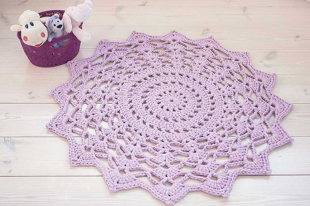 Lilac crochet cotton doily rug